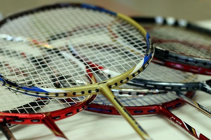 Raker Badminton yang Terbaik