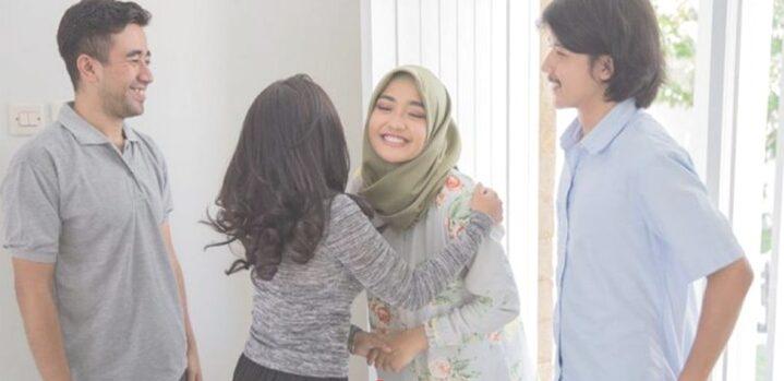 Arti Mimpi Kedatangan Tamu Menurut Psikolog dan Primbon Jawa