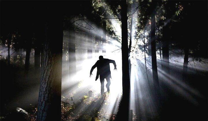 berlari dalam kegelapan