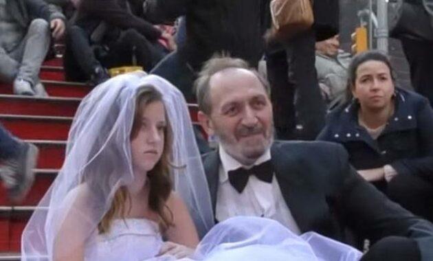 menikah dengan ayah kandung
